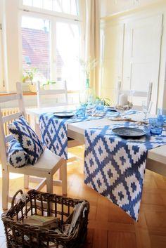 blue and white summer interior Coin, Interior Decorating, Blue And White, Table, Summer, Furniture, Inspiration, Design, Home Decor