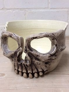 Skull yarn bowl in ivory glaze by Earth Wool & Fire. Available to order on Etsy or earthwoolfire.tumblr.com