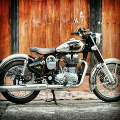 Kawasaki - Auto Fabrica - Pipeburn - Purveyors of Classic Motorcycles, Cafe Racers & Custom motorbikes . Vintage Bikes, Vintage Motorcycles, Custom Motorcycles, Custom Bikes, Scooters, Vespa, Tron Bike, Enfield Motorcycle, Motorcycle Posters