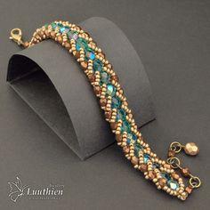 Best 12 Galerie – Jewellery Luuthien – Page 450922981439281452 – SkillOfKing. Jewelry Show, Diy Jewelry, Beaded Jewelry, Jewelery, Handmade Jewelry, Jewelry Making, Beaded Bracelets Tutorial, Seed Bead Bracelets, Jewelry Bracelets