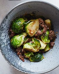 These skillet-cooked brussels sprouts with sausage and cumin require just 12 minutes to make.. ☀CQ #glutenfree