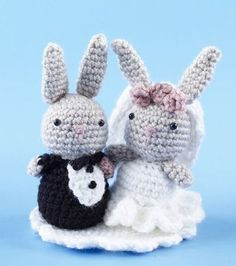 Mesmerizing Crochet an Amigurumi Rabbit Ideas. Lovely Crochet an Amigurumi Rabbit Ideas. Crochet Kawaii, Bunny Crochet, Crochet Cake, Crochet Gratis, Crochet Patterns Amigurumi, Amigurumi Doll, Crochet Animals, Crochet Dolls, Free Crochet