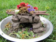 Some of the best craft ideas ever  - Waldorf inspired, very natural. Love this site, I want to host a Fairy House Building Day Camp!