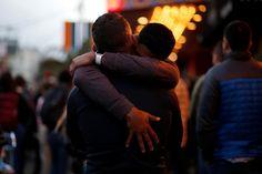 Au lendemain de la pire fusillade de l'histoire des Etats-Unis, qui a fait 50 morts dans un club gay de Floride, la presse américaine est sous le choc. Elle s'interroge notamment sur les motivations du tueur Omar Mateen et ses liens avec Daech.