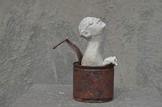 Marianne van den Berg, Met een frisse blik / Fresh look, ceramiek and can patinated 13 x 8 x 8
