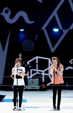 Louis & Harry in the Summertime Ball Larry Stylinson, One Direction Harry, One Direction Pictures, Zayn Malik, Niall Horan, Louis Tomlinson, Louis Y Harry, Mr Style, Style Icons
