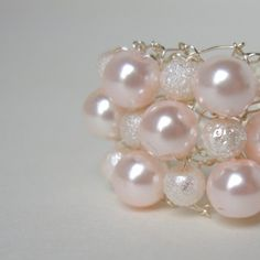 Love the soft pink tone on these #pearls #perles #perolas