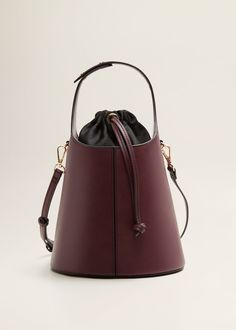03938a8035e4 25 Best Bags images in 2019