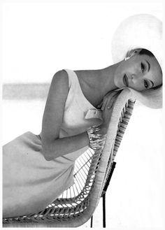 Barbara Mullen, January Vogue 1956 Photo Leombruno-Bodi