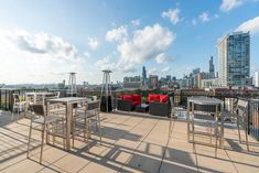 Looking for luxury apartments for rent in Chicago? Choose from luxury 2 and 3 bedroom, pet-friendly apartments in South Loop, Chicago. South Loop, Pet Friendly Apartments, Apartment Communities, Chicago Skyline, Rooftop, Backdrops, Bbq, Tours, Barbecue