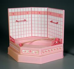 I had this Barbie Bathtub! It even sprayed water when you hit the button! Barbie Sets, Barbie Dolls, 90s Childhood, Childhood Memories, Barbie Bathroom, Kickin It Old School, Barbie Cake, Never Grow Up, Oldies But Goodies