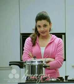 Kajal Aggarwal Most Beautiful Indian Actress, Beautiful Actresses, Indian Actresses, Actors & Actresses, Funny Memes Images, Asian Eyes, South Indian Actress, Beautiful Gorgeous, Indian Beauty