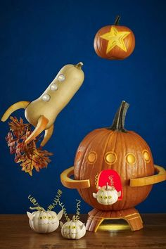 These Halloween pumpkin carving ideas may look tricky, but they're actually quite easy. So pull out your carving kit to make these creative Jack-o-Lanterns. Funny Pumpkins, Halloween Pumpkins, Halloween Crafts, Halloween Decorations, Happy Halloween, Halloween Quotes, Halloween 2020, Halloween Prop, Halloween Witches