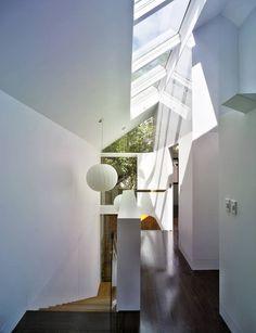 Rumah minimalis Eksotis Elliott Ripper House by Christopher Polly Architect - MEGATruss Global ( Bata Ringan - Panel Lantai - Galvalum - DLL ) Modern Residential Architecture, Architecture Design, Modern Skylights, Sydney, House Stairs, Deco, Home Projects, Modern Design, New Homes