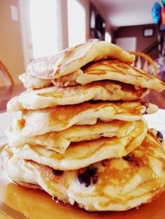 Foodie & Fabulous: Fluffy Blueberry Pancakes