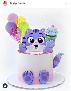 Man Cookies, Cookies For Kids, Sugar Cookies, Queens Birthday Cake, Queen Birthday, Kitten Cake, 7th Birthday Party Ideas, Cookie Cakes, Birthday Cookies