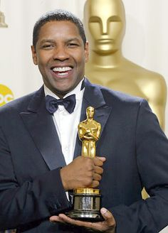 Denzel Washington won the Academy Award for Best Actor for his role as Detective Alonzo Harris in Training Day (2001).