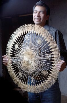 Antonio Cornelio Rendón lives in Tzintzuntzan, Michoacán, has been working with straw since he was 9 years old. He makes intricate designs with straw & has won awards in judged shows: a 3rd Place National Award with FONART (the piece was later exhibited in Morelia at CASART.) He has also won a 1st Place National Award with FONART for a nativity scene created from straw - meet & buy from him at Feria Maestros in Chapala, Mexico Nov 14-16 #feria #artisan #Mexico #straw
