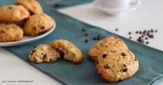 I biscotti rapidi senza burro sono dei dolci facilissimi da preparare..basta una ciotola e un cucchiaio e in 30 minuti sono pronti!