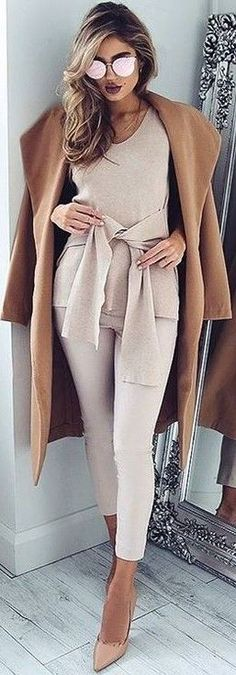 #fall #executive #peonies #outfits |  Camel 'New York's Calling' Coat + Nude 'Extender' Top
