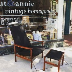 #westnofa #teak lounge Annie, Teak, Home Goods, Dining Chairs, Lounge, Furniture, Vintage, Home Decor, Airport Lounge