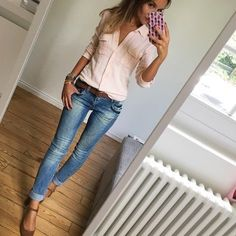 Related posts: Cute Casual Summer Outfits Ideas for Teen Girls To be able to truly feel exc… Wear Jeans: 30 cute outfits for this fall – – Ideas – Outfi … Super süße Outfits für ein Konzert – 2019 Super Cute Makeup Ideas für dunkle Haut Frauen Spring Summer Fashion, Spring Outfits, Autumn Fashion, Summer Outfits For Work, Winter Outfits, Mode Outfits, Casual Outfits, Fashion Outfits, Casual Jeans