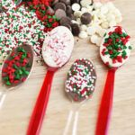 Save money by making your own christmas candy this year! Homemade Christmas candy makes a great gift or addition to the Christmas dessert menu. From bark to fudge and chocolate candies, there are over a Christmas Food Treats, Christmas Deserts, Christmas Cooking, Christmas Goodies, Holiday Desserts, Christmas Candy, Holiday Baking, Holiday Treats, Holiday Recipes