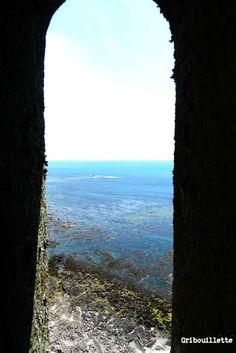 Vue sur mer du phare d'Eckmühl