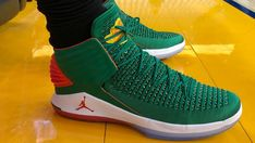 This Air Jordan 32 PE Made Its Debut On Christmas Day
