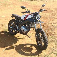 "121 Likes, 2 Comments - Doyan Custom Motorcycle (@doyancustom) on Instagram: ""Perpaduan masa kini & masa lalu. Basic: Yamaha Vixion #Repost: @ramadhanarifananda #doyancustom…"""