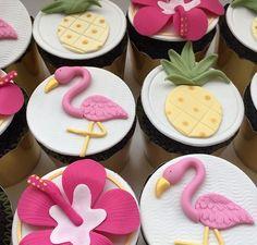 Hawaii Cake, Flamingo, Desserts, Tropical, Food, Decorated Cookies, Meet, Food Cakes, Flamingo Bird