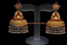 Big Jhumka buttalu by Bhima jewellers - Latest Jewellery Designs Indian Jewellery Design, Latest Jewellery, Jewelry Design, Jhumka Designs, Gold Earrings Designs, Gold Jhumka Earrings, Antique Earrings, Antique Jewellery, Gold Buttalu