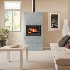 poele à bois habillé de pierre pour conserver la chaleur Decor, Heat, House, Home, Deco, Stove, Fireplace