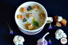 Supa crema de conopida si usturoi copt Cheeseburger Chowder, Panna Cotta, Pudding, Ethnic Recipes, Desserts, Tailgate Desserts, Dulce De Leche, Deserts, Custard Pudding
