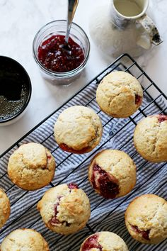 Easy Muffins Filled with Jam via @honeyandbirch