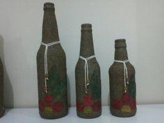 Garrafas decoradas com fokhas secas