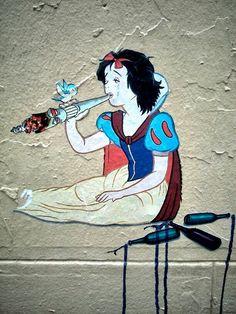 """Drunken """"Little Snow White"""", Paste-up in Rue Foyatier in Paris, France #Schneewittchen #StreetArt #BrothersGrimm"""