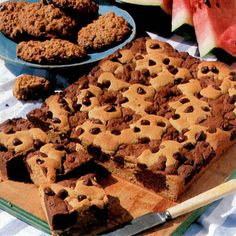 Chocolate and Peanut Butter Brownies with chocolate chips