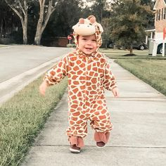 """Rachel Wynn Earls on Instagram: """"Cutest baby giraffe I've ever seen! To be honest, I wanted Leo to be a lion and do this whole fun family costume but this move kinda took…"""""""