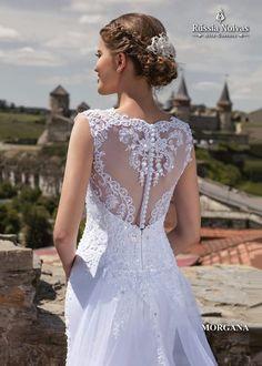 MORGANA: Luxo e sofisticação são as marcas do modelo Morgana, que proporciona à noiva a realização do seu sonho com um vestido a altura deles. Para saber mais, acesse: www.russianoivas.com #vestidodenoiva #vestidosdenoiva #weddingdress #weddingdresses #brides #bride