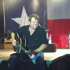 Pat Green, I hate to say it but I wish Nashville would not have got him! Texas Music, Lone Star State, Great Albums, Nashville, Singers, Hate, My Favorite Things, My Love, Concert