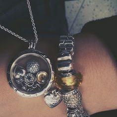 Yellow L<3ve -> memories petite November & bracelet
