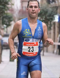 Lycra Men, Lycra Spandex, Men In Tight Pants, Brandon Williams, Shorts With Tights, Cycling Shorts, Sport Man, Big Men, Mens Fitness
