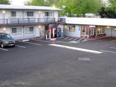 Redding (CA) Thunderbird Lodge United States, North America Thunderbird Lodge is conveniently located in the popular Downtown area. The property features a wide range of facilities to make your stay a pleasant experience. Take advantage of the hotel's 24-hour front desk, express check-in/check-out, family room, restaurant, laundry service. Designed for comfort, selected guestrooms offer air conditioning, heating, wake-up service, desk, alarm clock to ensure a restful night. Re...