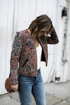 anthropologie statement jacket, embroidered jacket, bohemian fashion, vintage jeans, white t-shirt, spring outfit