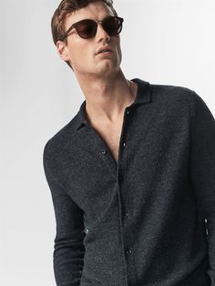 Autumn winter 2016 Men´s SHIRT-STYLE SWEATER WITH TEXTURED WEAVE DETAIL at Massimo Dutti for 119000. Effortless elegance!