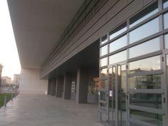 """Biblioteca Pública del Estado """"Bartolomé J. Gallardo"""" en Badajoz, Extremadura"""