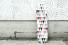 Patchwork Skateboard - over 200 laser cut fabric triangles, hand sewn together Mod Podge Crafts, Diy Crafts, Laser Cut Fabric, Fiber Art, Quilt Patterns, Diy Projects, Crafty, Creative, How To Make