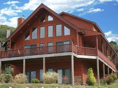 """Beautiful Log Home! """"CEDARSTONE"""" 5 beds... - HomeAway McHenry"""