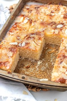 Butter cake like from a baker (secret recipe!) - KüchenDeern - Butter cake like from a baker (secret recipe!) – KüchenDeern Butter cake like from a baker (secr - Cake Recipes Without Oven, Cake Recipes From Scratch, Easy Cake Recipes, Baking Recipes, Cookie Recipes, Dessert Recipes, Cupcake Recipes, Easy Vanilla Cake Recipe, Chocolate Cake Recipe Easy